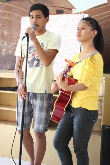 Ralph and Shiela Mae entertained us as they sang.